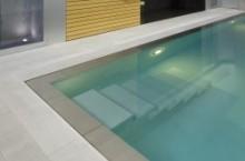 Een monoblock zwembad in de tuin1